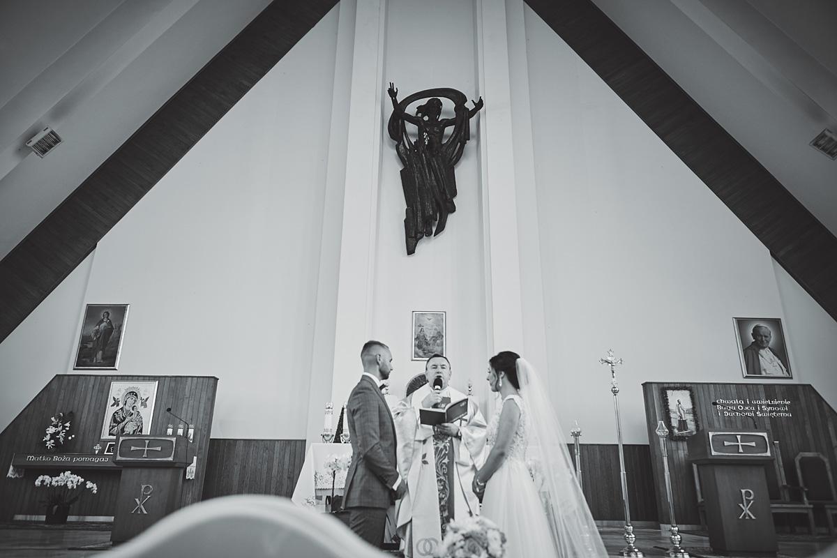 Skrót z reportażu ślubnego w Dworku Broniszówka 51