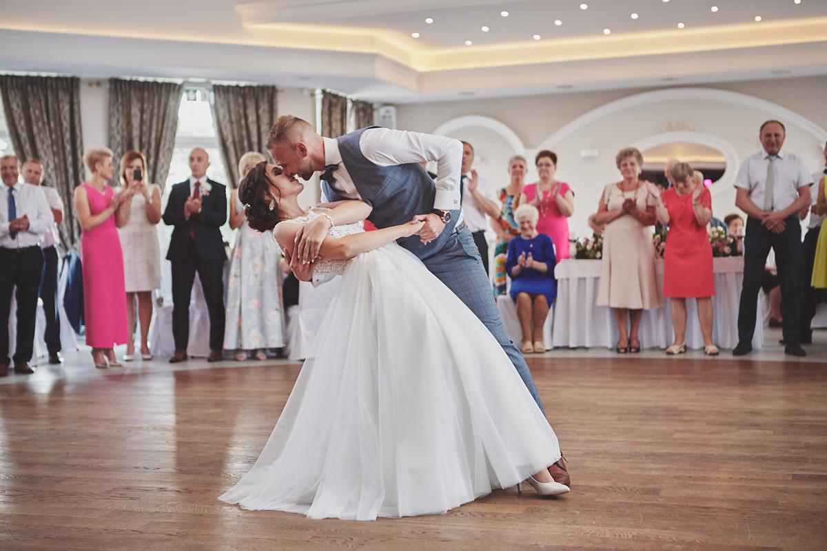 Skrót z reportażu ślubnego w Dworku Broniszówka 84