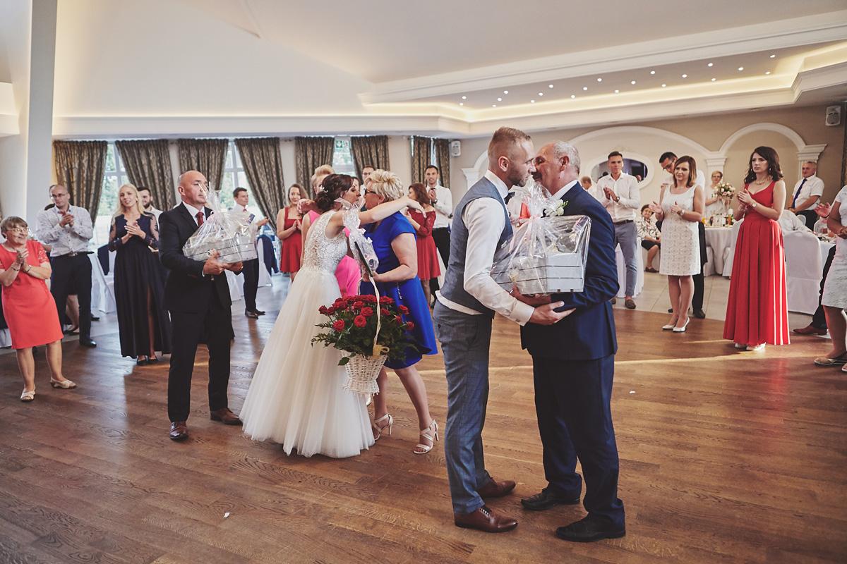 Skrót z reportażu ślubnego w Dworku Broniszówka 97