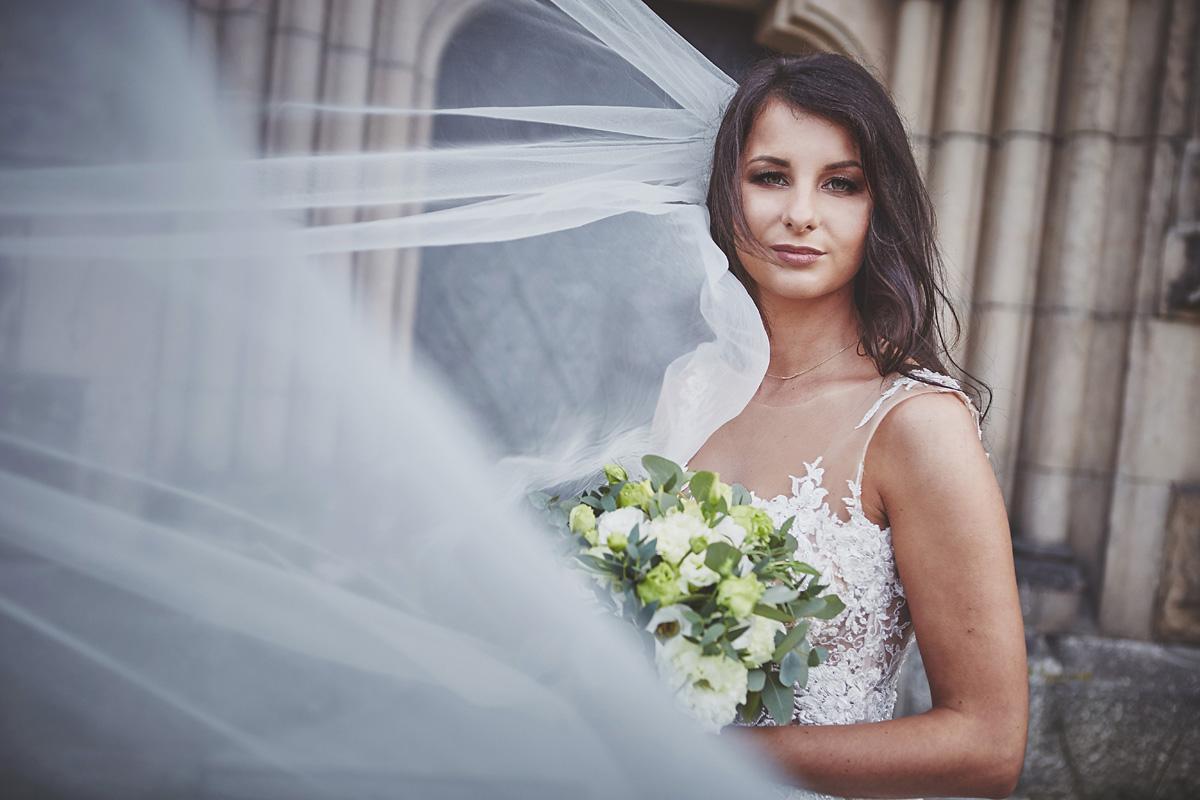 Plener ślubny na zamku w Mosznej 16