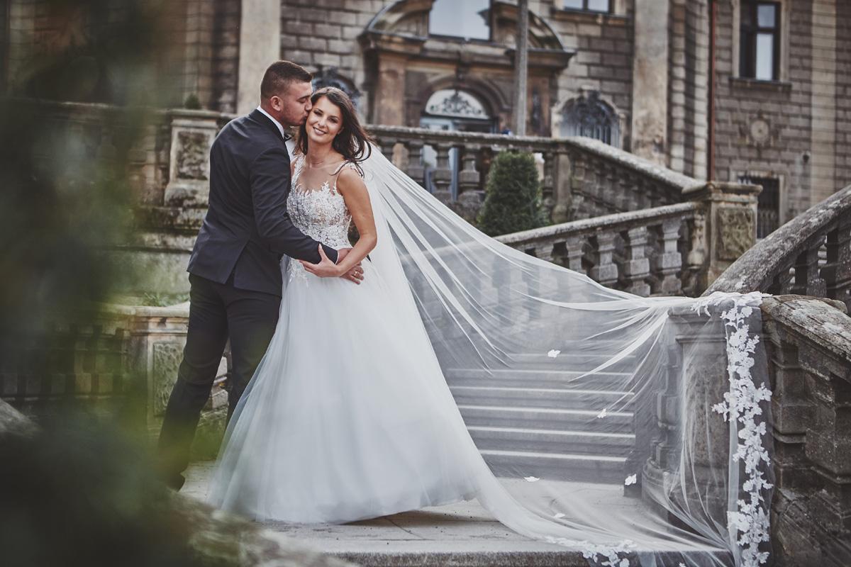 Plener ślubny na zamku w Mosznej 36